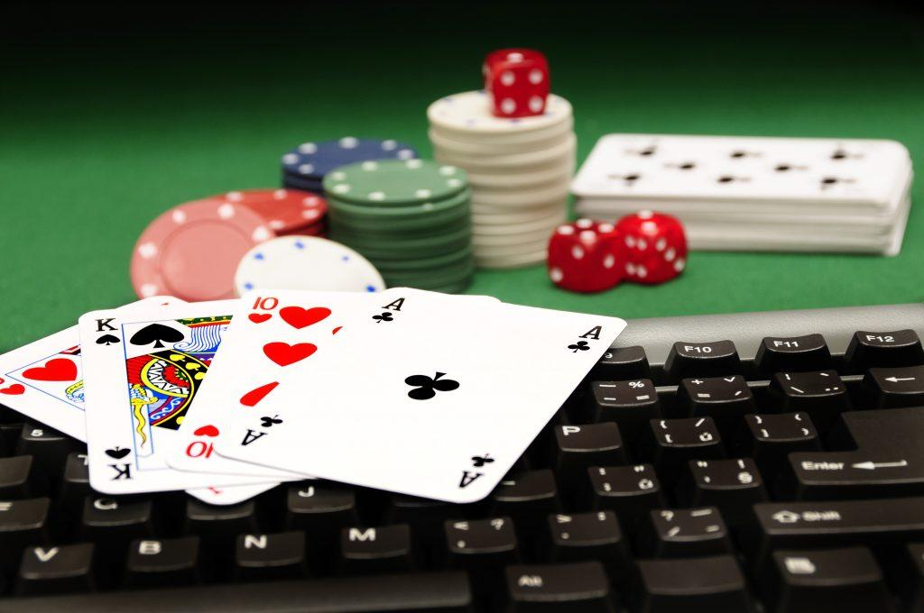 best-online-casino-gambling-software-laptop-keyboard